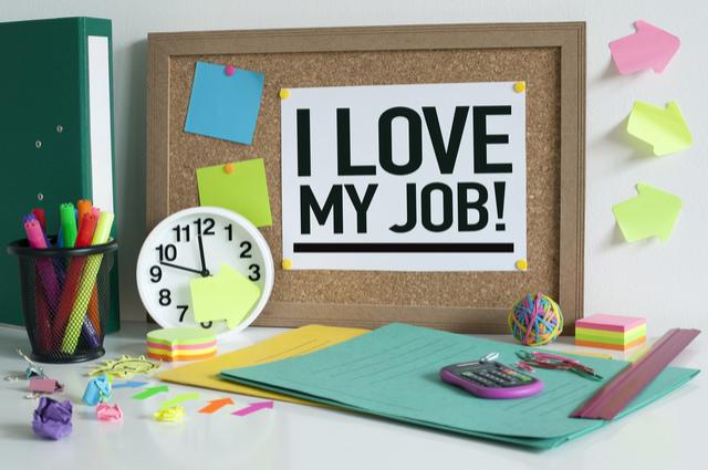 沒有「家財萬貫」命,能靠工作翻身嗎?
