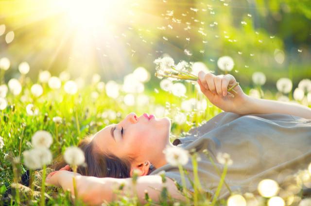 春風撲面暖入心,農曆2月感情運甜在心?